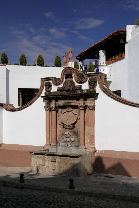 Fountain at Barranca and Hospicio